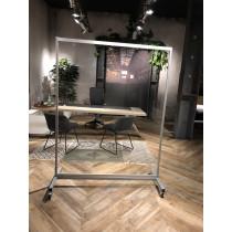 Plexio on Wheels | 150 x 200 (bxh)
